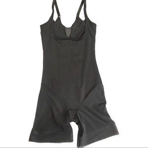 Miraclesuit | black shapewear suit spanx